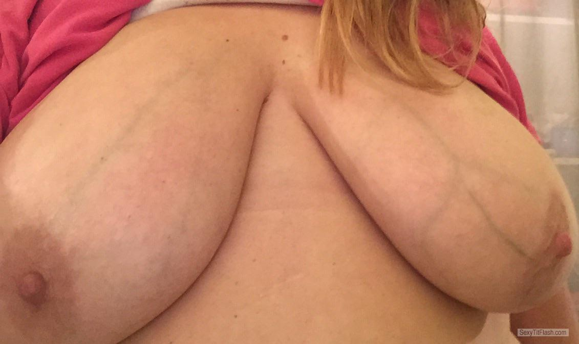 Tit Flash: My Big Tits - Topless Shannon Gf from United States